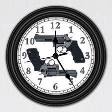 horloge-pistolet